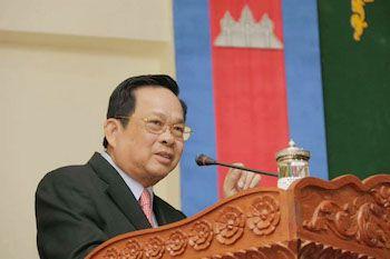 日本へのカンボジア人研修生派遣に関する合意文書を締結