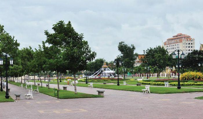 プノンペン市、環境改善のため市内に樹木を増やす計画