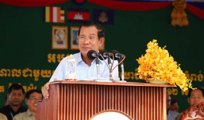 フン・セン首相、HIVとAIDS撲滅を呼びかけ