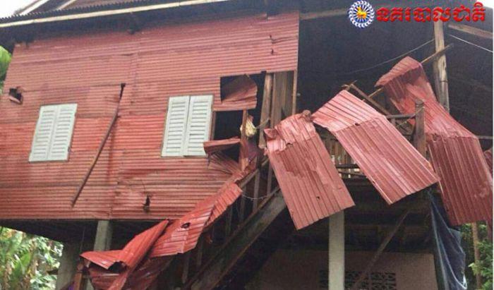 クメール正月期間、暴風雨で住宅100棟以上が被害に