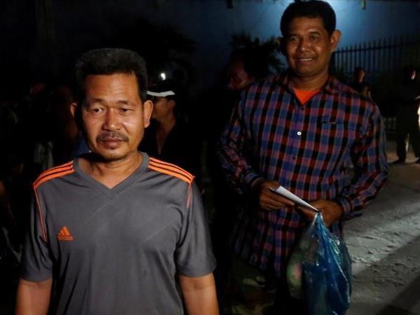 カンボジア、野党活動家70人の解放始める