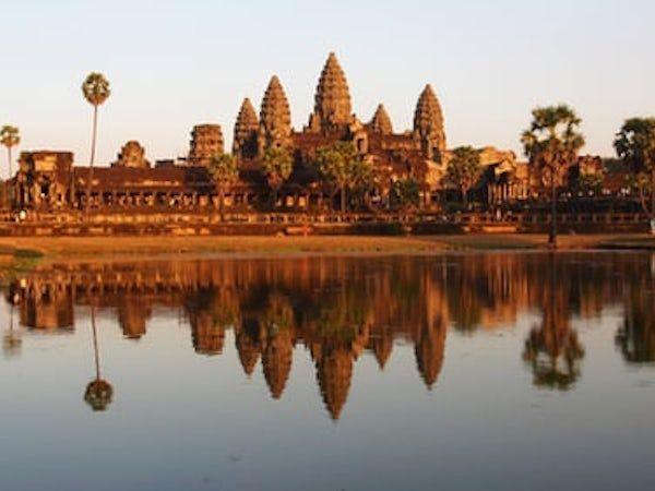 カンボジア、給与税と所得税の課税最低額引き上げ