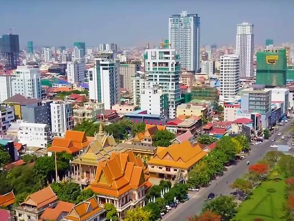 カンボジア:全ての外国人の観光ビザ・Eビザ・到着ビザの発給停止