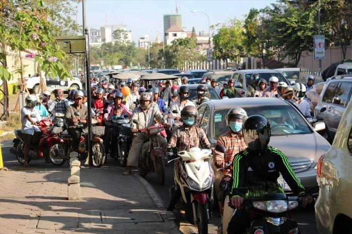 カンボジアの交通事情