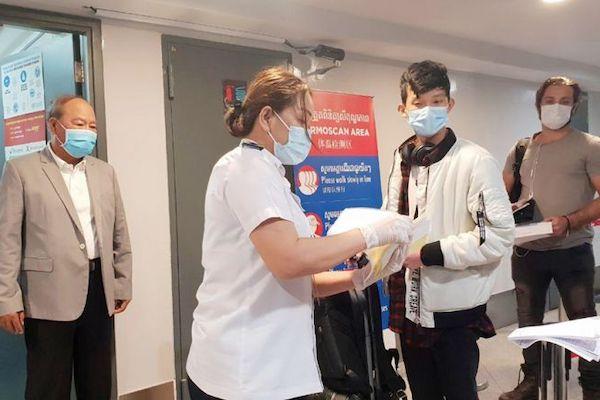 カンボジア保健大臣、入国規制を強化に言及