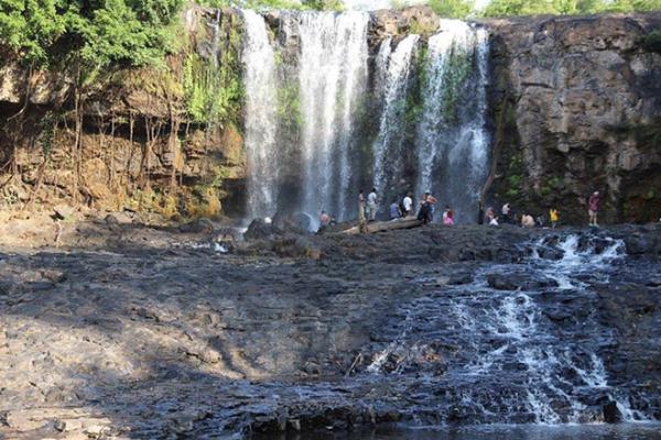 6月の国内観光客は45万人、外国人観光客は1000人に留まる