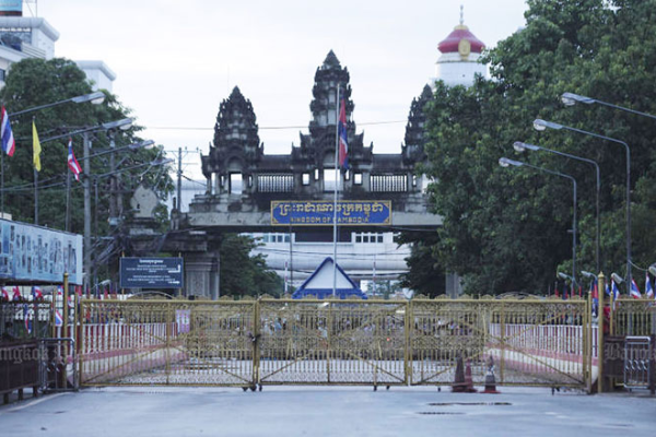 カンボジア:タイとの国境封鎖解除の見通し立たず