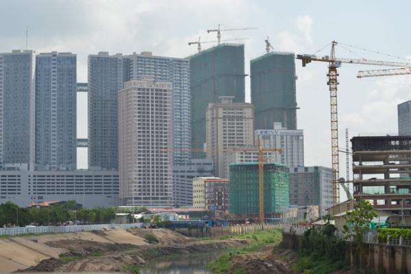 カンボジア、投資家・専門家への隔離措置を免除か