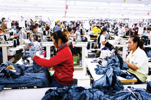 労働組合、最低賃金を11.59ドルに引き上げを要求