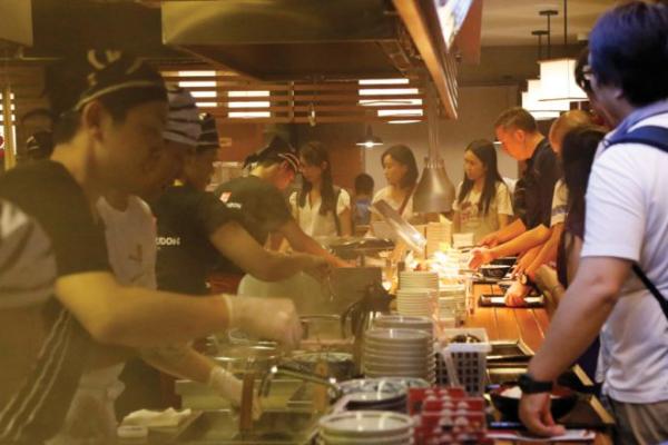 丸亀製麺カンボジア2号店、313キーサイド内にオープン