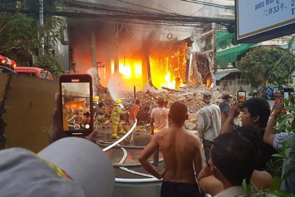 プノンペン:ナイトクラブで火災発生