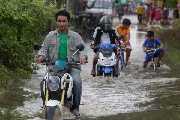 カンボジア:洪水による死者43人に