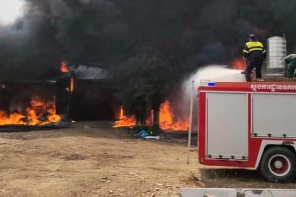 織物工場で火災、20万ドル相当の織物焼失