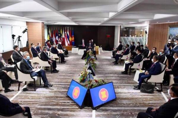 アセアン会議、フンセン首相はミャンマーの政治的混乱の解決法提案