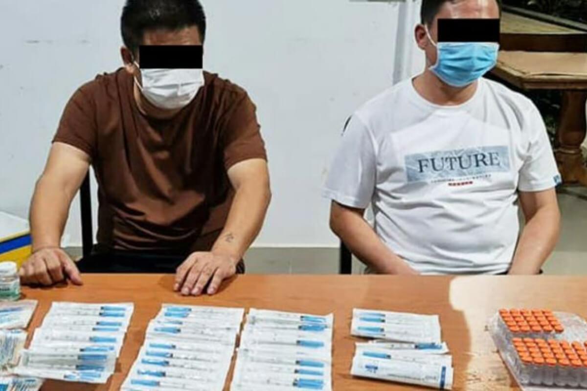 シノバック製ワクチンを違法販売、中国人男性2人に罰金