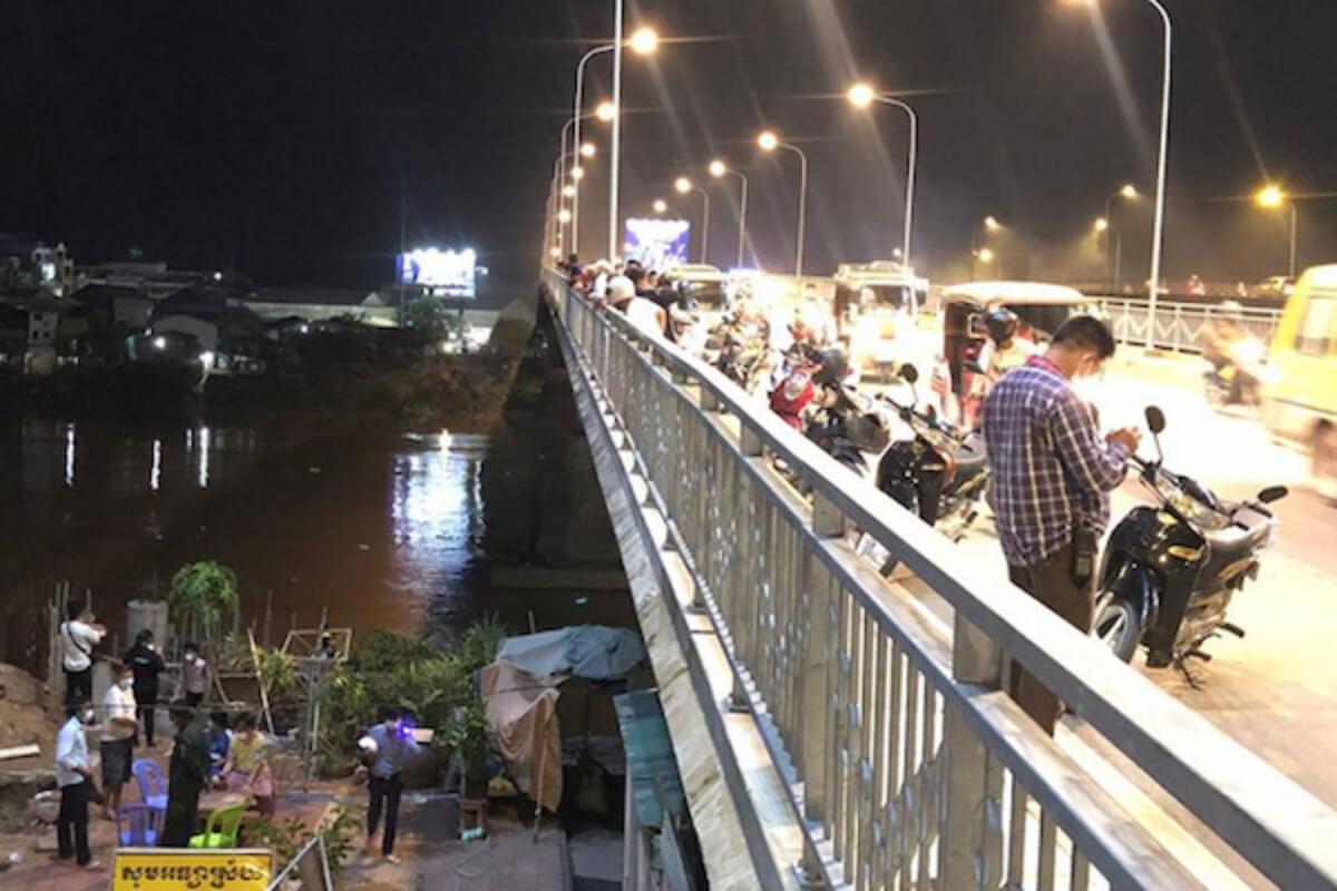 モニボン橋から男性が飛び降り自殺