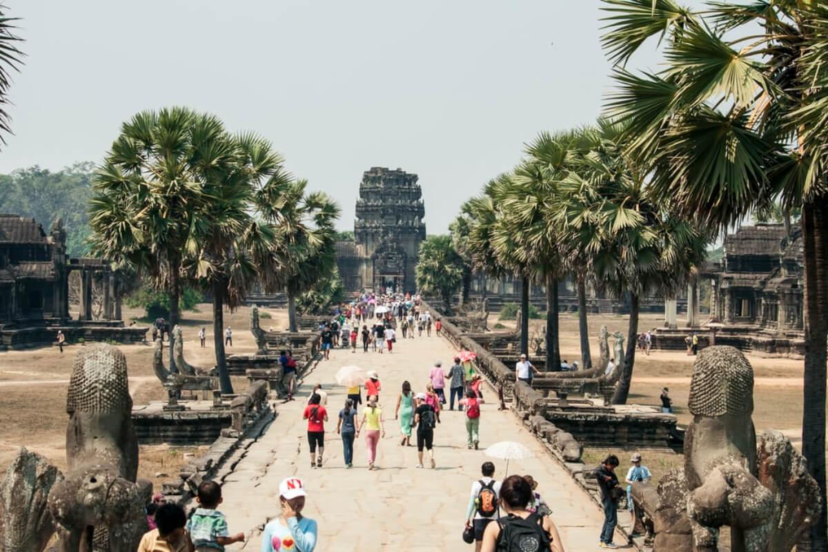 カンボジア:年内に外国人旅行者の受け入れ再開か