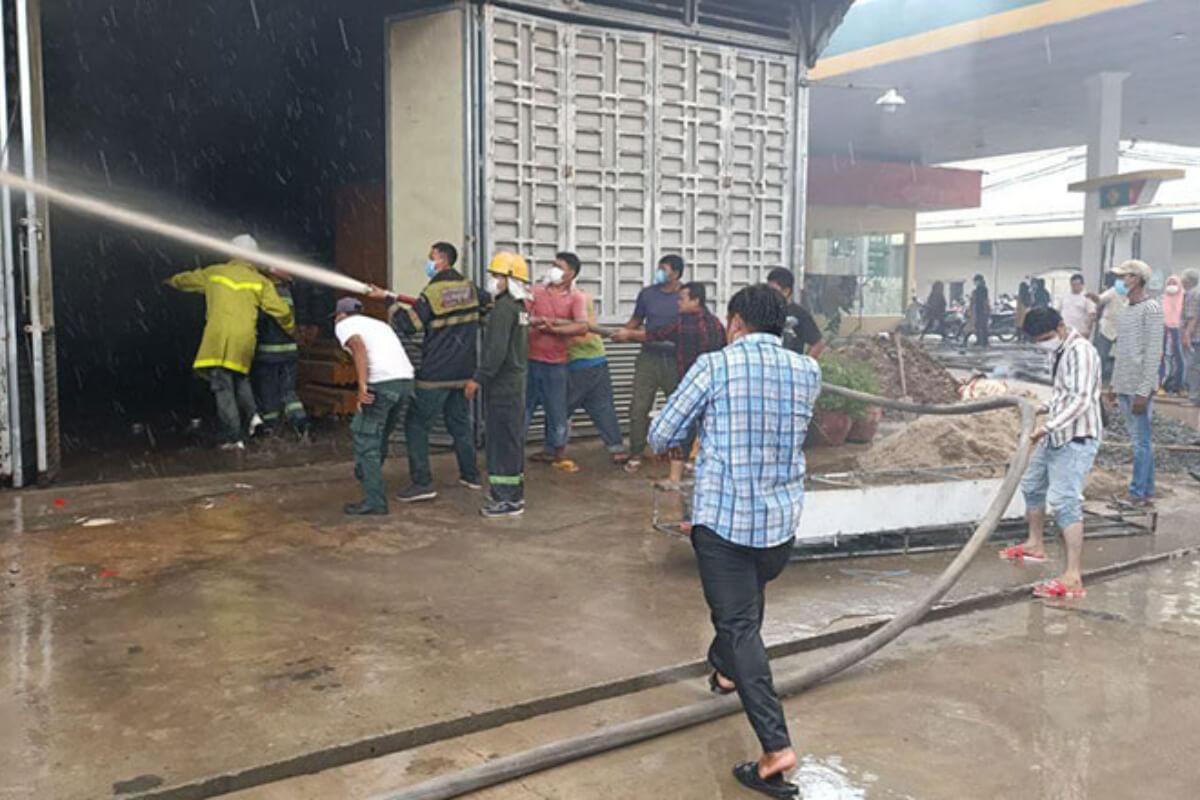 プノンペン・ルセイカエウ区の倉庫で火災発生