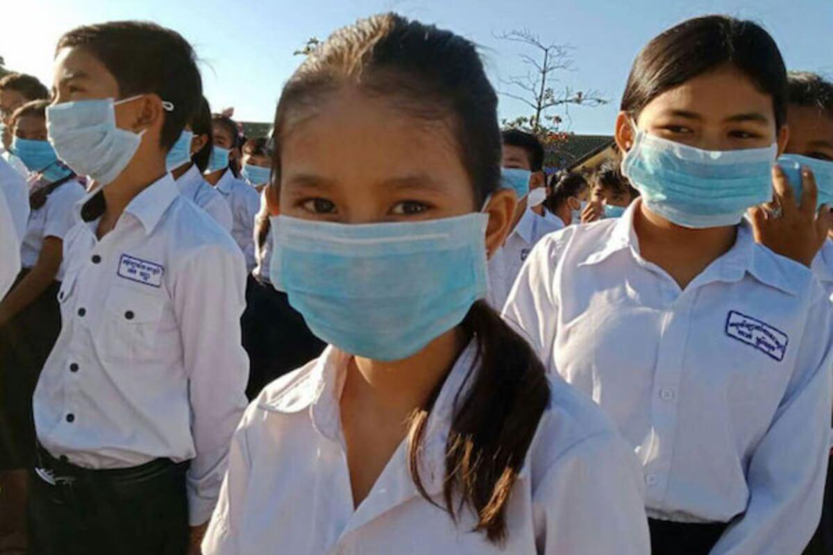 フンセン首相:学校再開までに子供200万人へのワクチン接種を発表