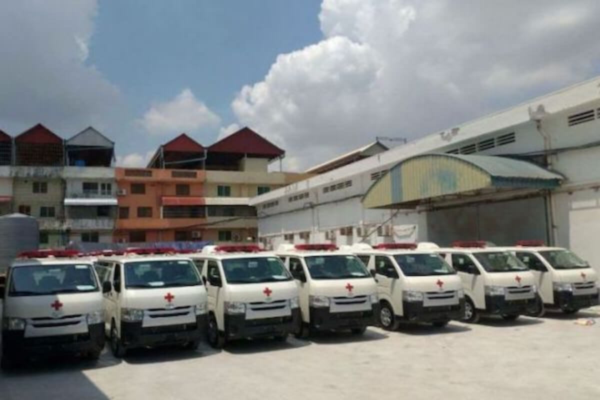 日本政府、カンボジアへさらに救急車30台を寄贈