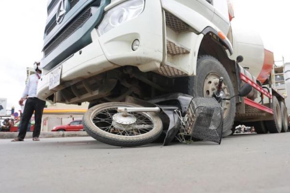 カンボジア:7月の交通事故は208件 107人死亡、282人負傷