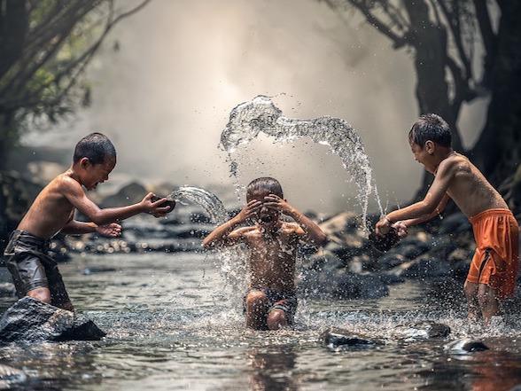 ミャンマーの水には要注意! 食中毒の危険性も