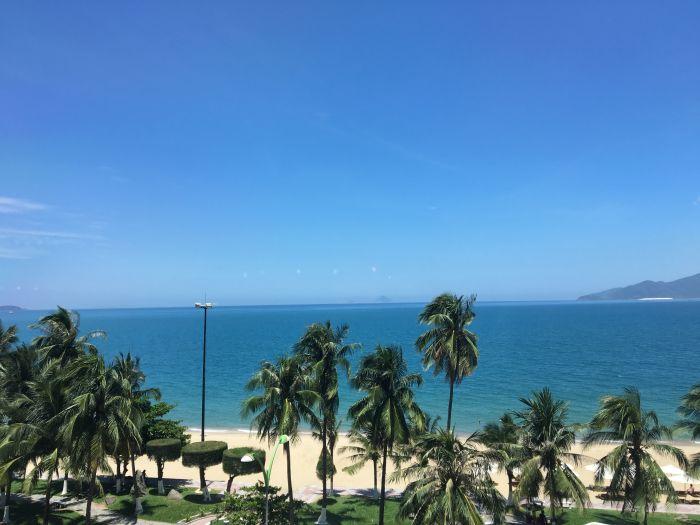 ニャチャンは海が綺麗な観光地 空港からの行き方や気候なども紹介