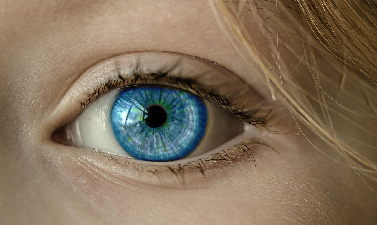 ベトナムでは近視の人が急増中!? 30年前と比べて2倍になった理由とは
