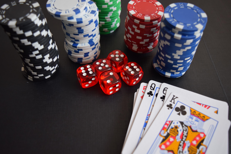 ベトナムにはカジノがある? 服装や年齢制限、ホテルにある店舗も紹介