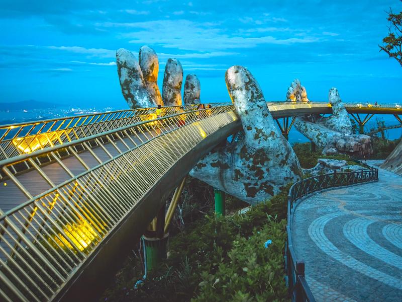 ダナンのゴールデンブリッジ|行き方や場所、入場料などを紹介!