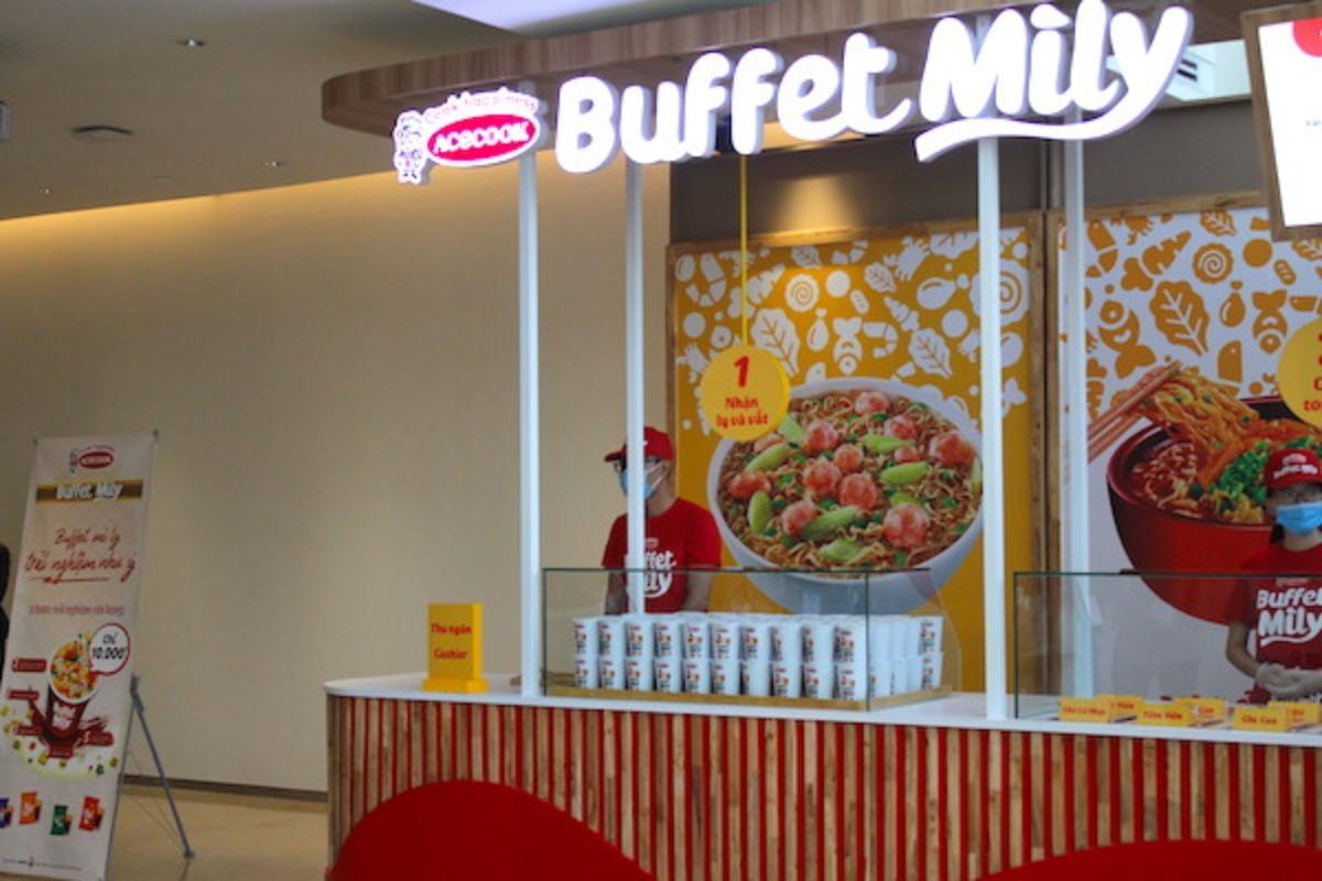 ビュッフェスタイルのカップ麺レストランがハイフォンにオープン