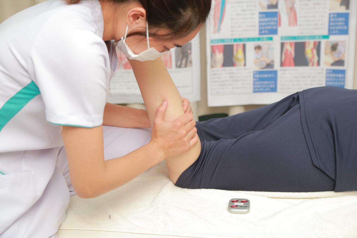 外出自粛で凝り固まってた身体には楽々センターの筋膜治療がおすすめ