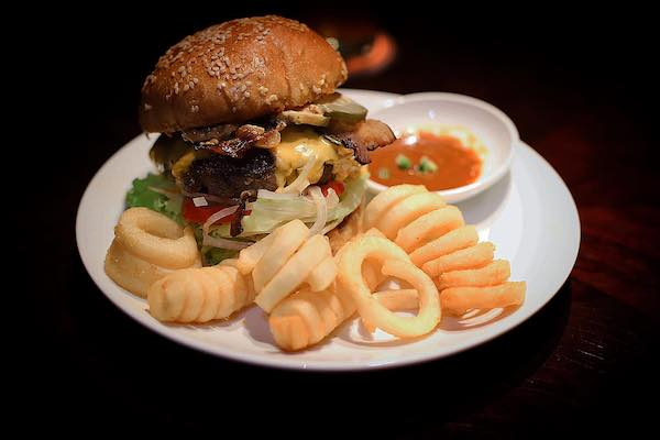 ホーチミン,ハンバーガー,美味しい,おすすめ,ワゴンウィール