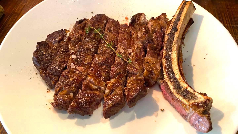ホーチミン1区にあるステーキ&イタリアンレストラン「Nossa Steakhouse」