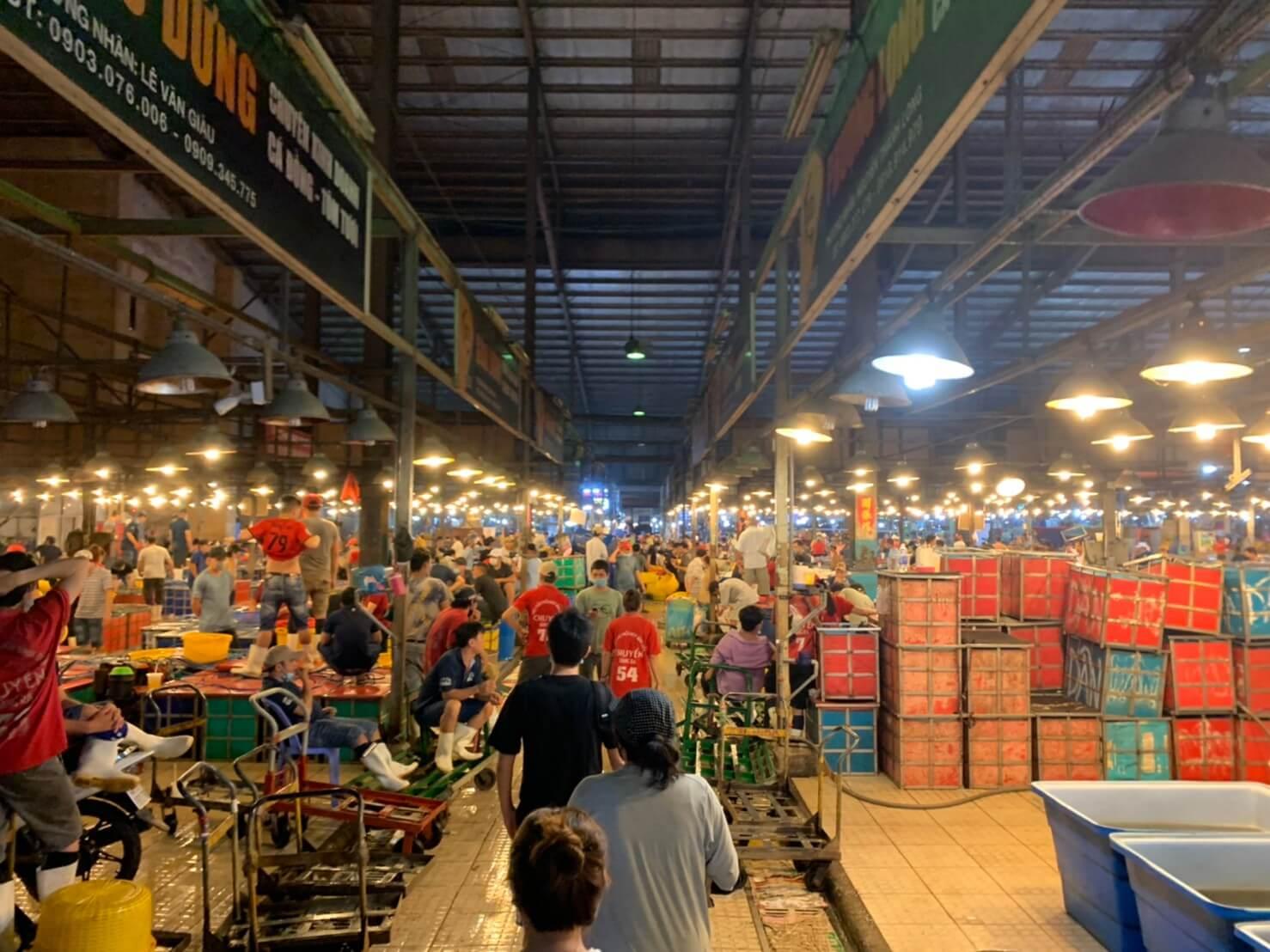 ビンディエン市場 海鮮売り場全体