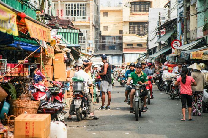 ベトナムで英語は通じるの? 現地事情や困った時の対処法を紹介