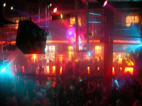 ハノイで夜遊びするならここ!安心して楽しめる夜遊びスポットを紹介