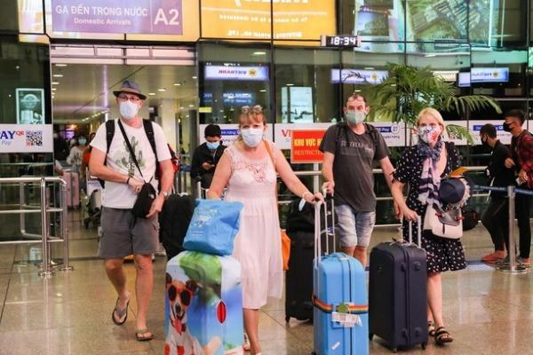 フック首相:外国人観光客の受入準備できていない