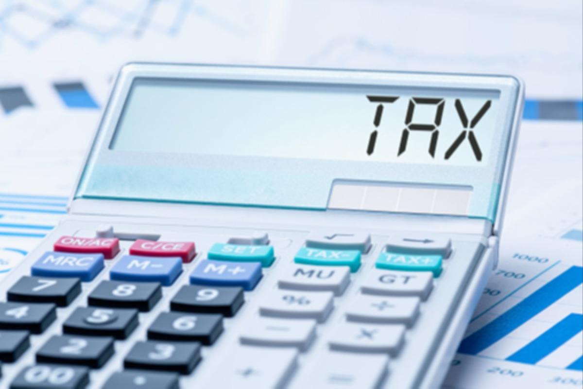 2020年の法人税30%軽減、首相が政令に署名