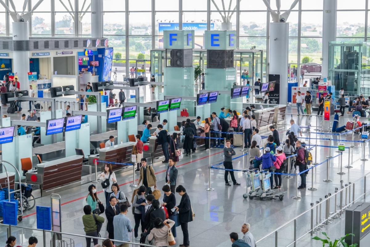 ハノイ・ノイバイ国際空港、乗客の健康管理を強化、2段階検査に