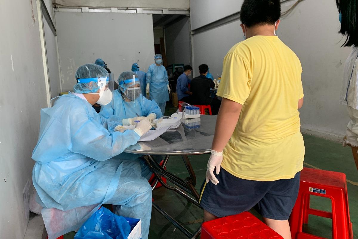 ベトナム保健省、出国者向けのコロナ検査価格の暫定ガイダンス発表