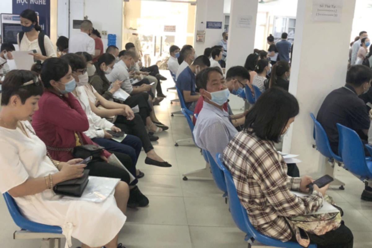 コロナで収入減、ベトナムでは2200万人 失業者120万人
