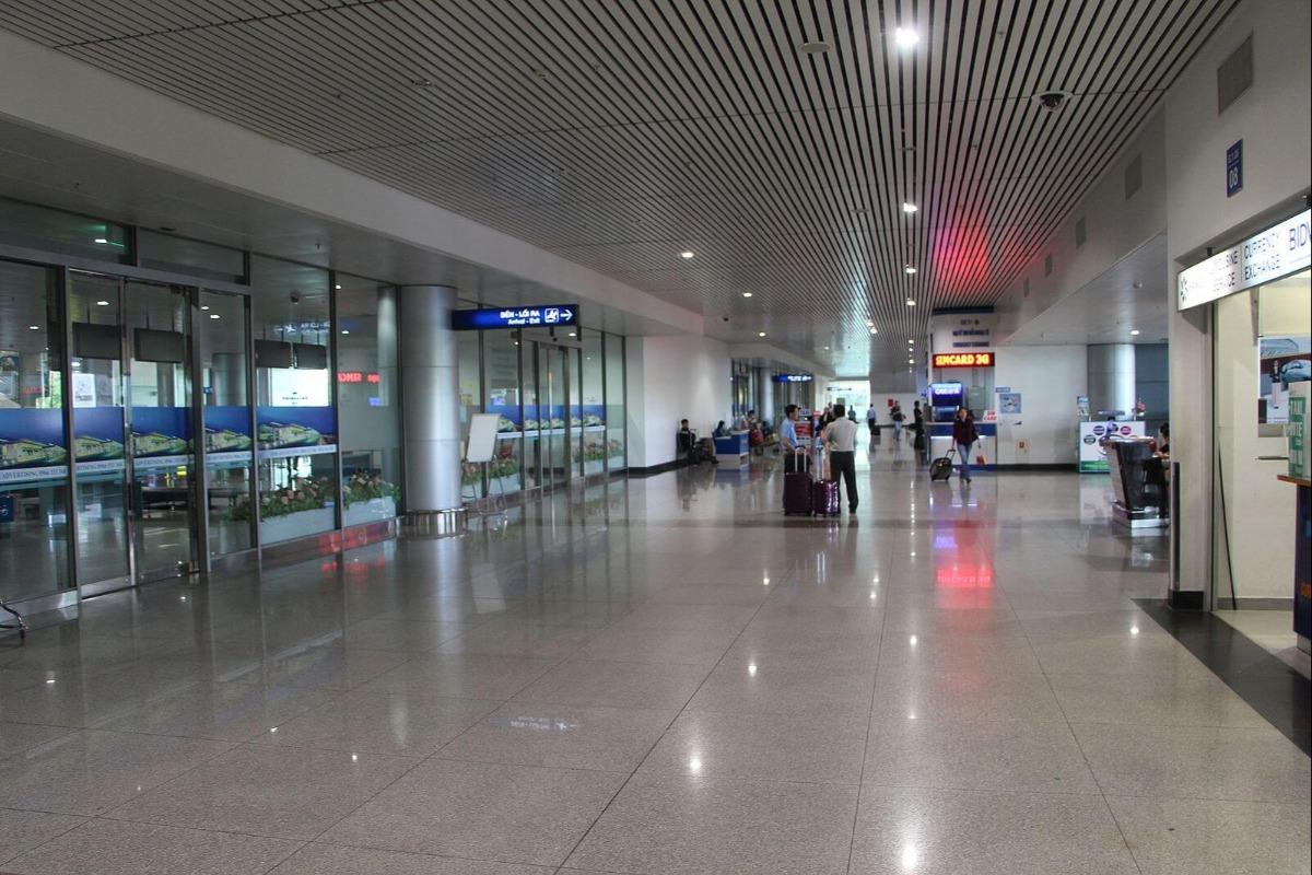 タンソンニャット国際空港の職員がコロナ感染