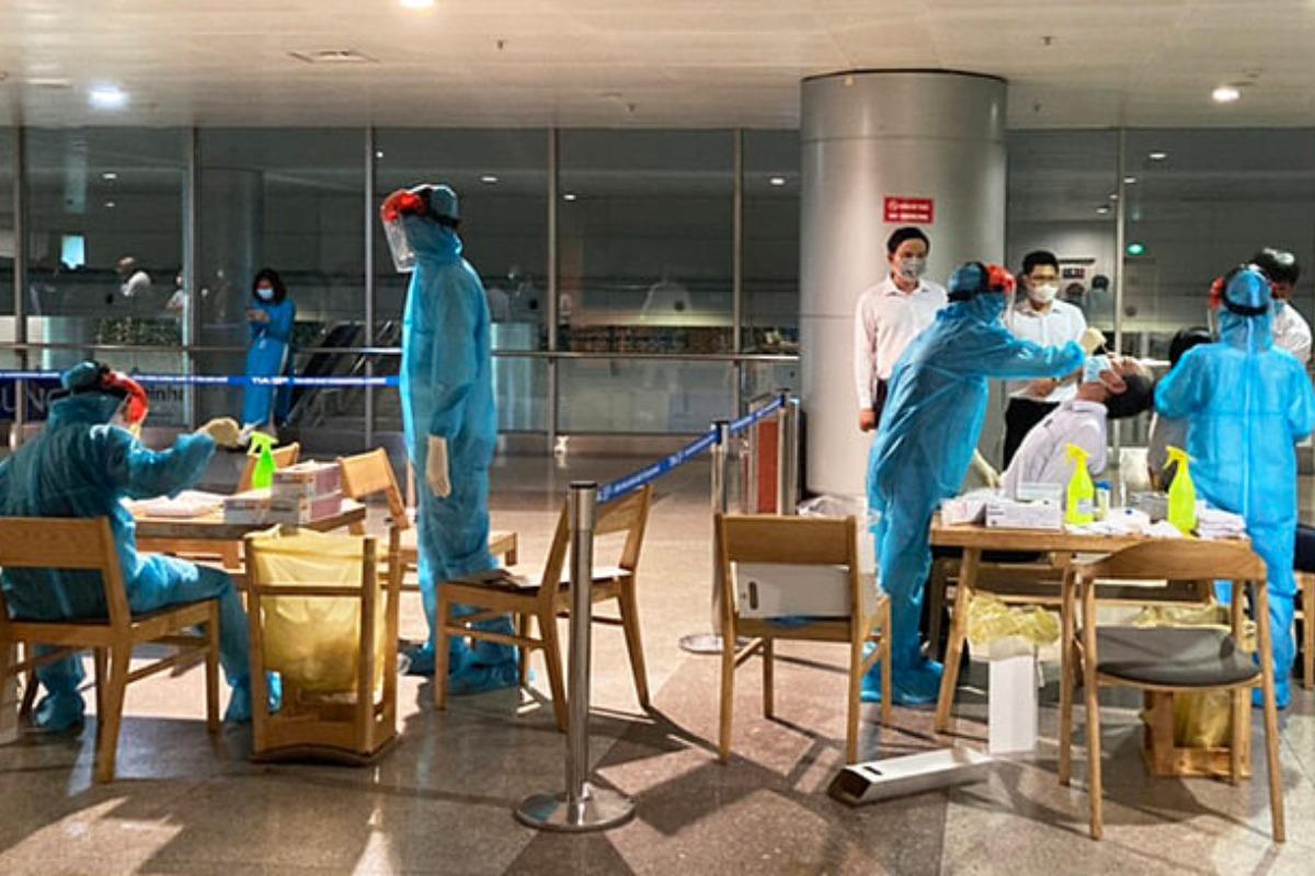 タンソンニャット空港職員4人の新型コロナ感染を確認