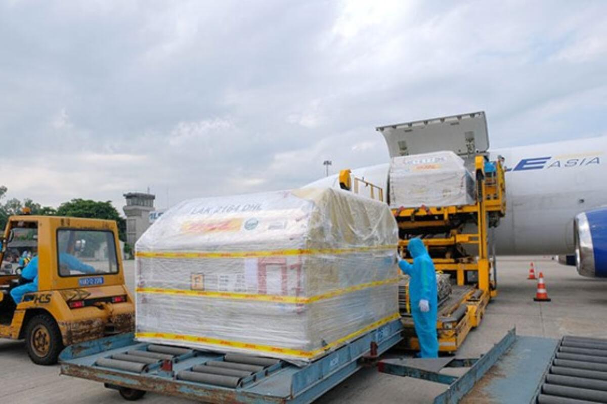 ファイザー製ワクチンがベトナム到着、9.7万回分