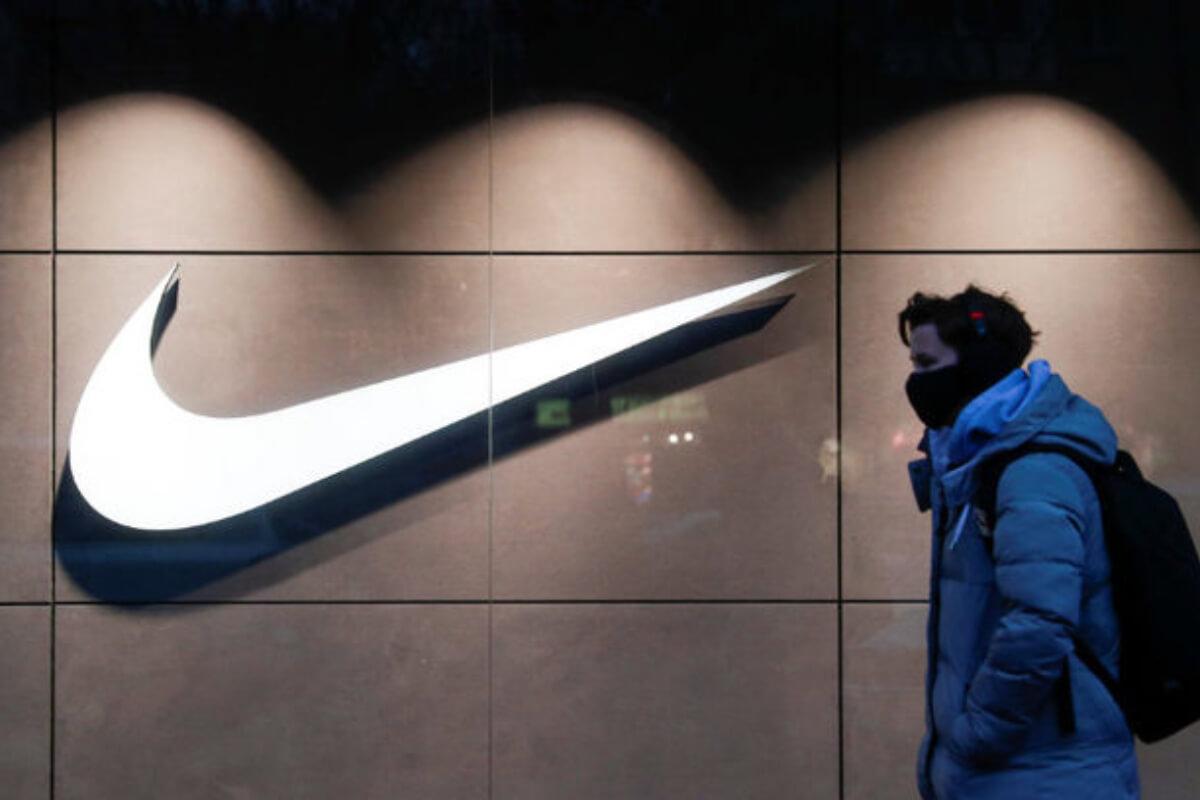 ナイキ:ベトナムの委託工場閉鎖、同社製スニーカー供給に影響か