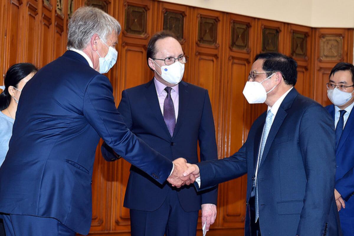 ロシアにワクチンの優先供給を要請、ベトナム・チン首相