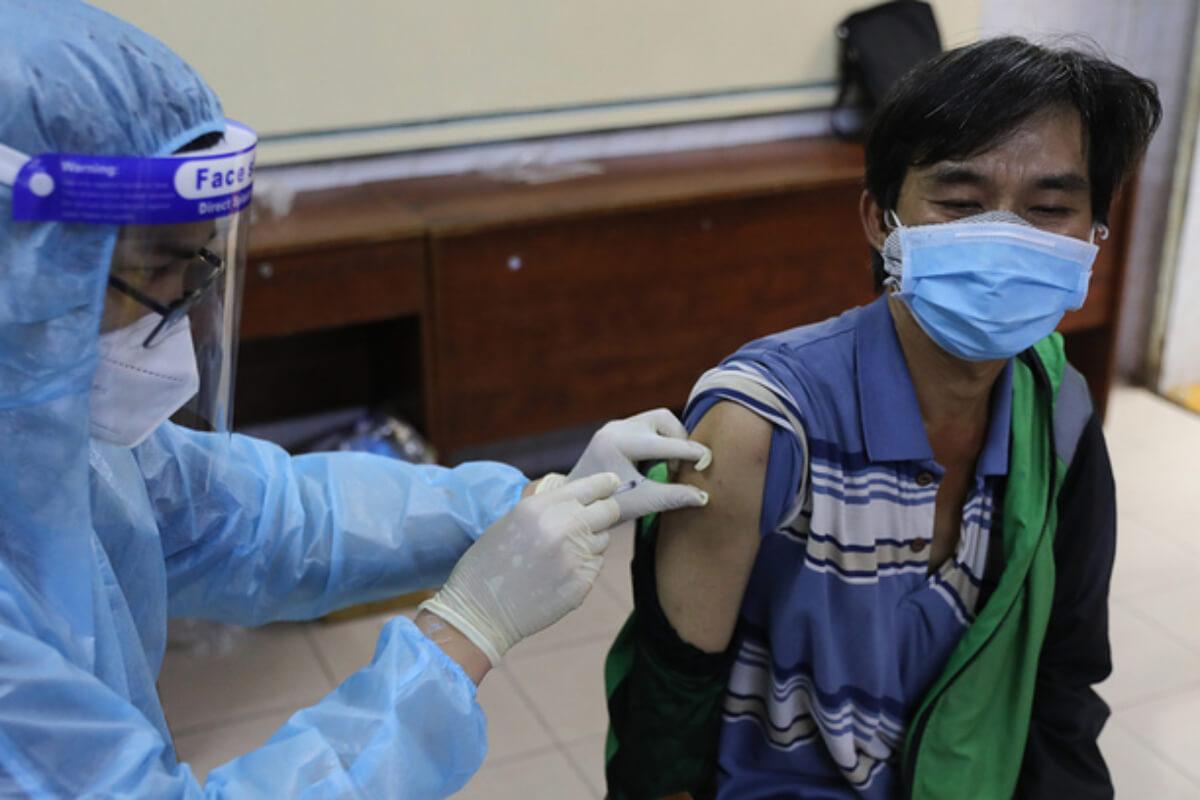 フランス・ハンガリー、ベトナムにコロナワクチン77万回分を供与へ