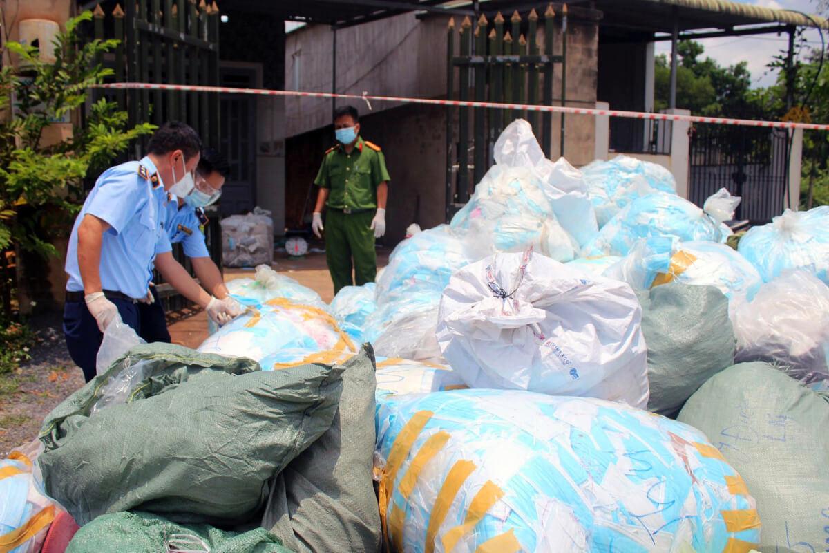 不良品マスクを販売目的でリサイクル、ドンナイ省で摘発