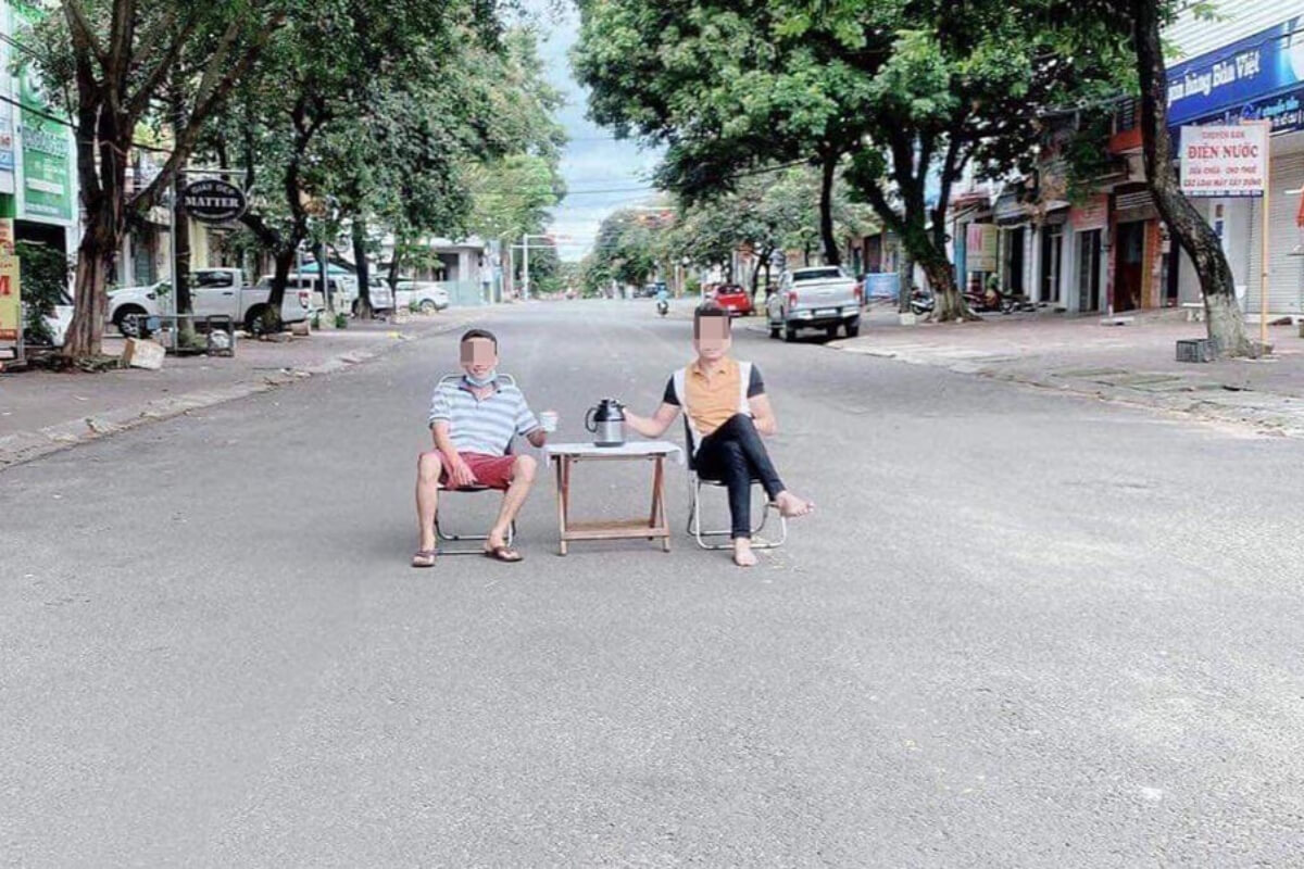 通りの真ん中でお茶飲む様子をSNS投稿、ザライ省で男性2人に罰金